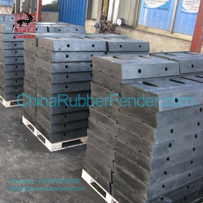 I Type Rubber Fenders deliver to Italy
