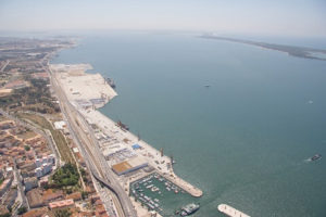 New Plan for Quay to Berth Panamaxes